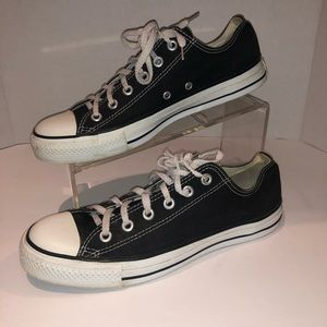 Black Converse Low Tops Sz 10